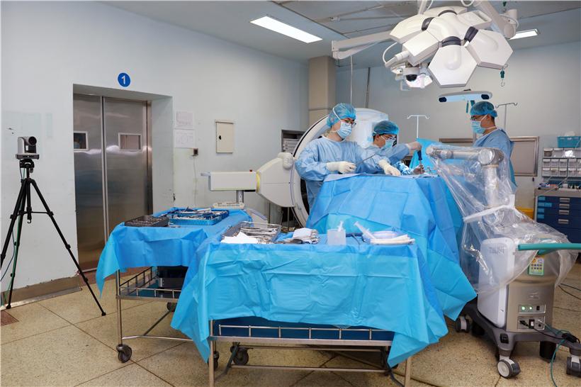 烟台山医院参与全球首例完成5G+骨科机器人多中心联合远程手术